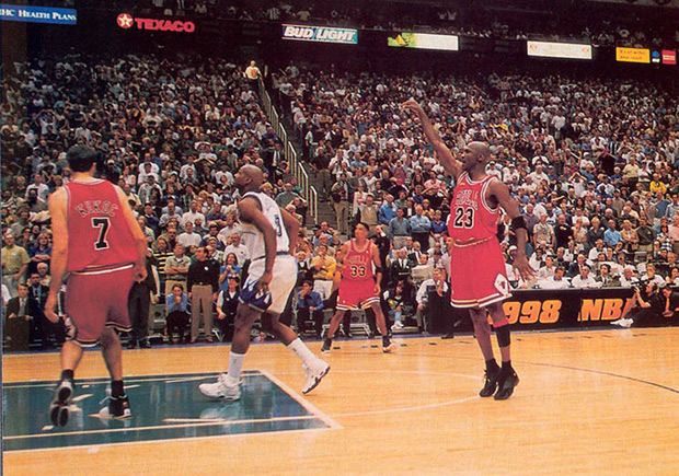 michael-jordan-1998-finals-last-shot-photo