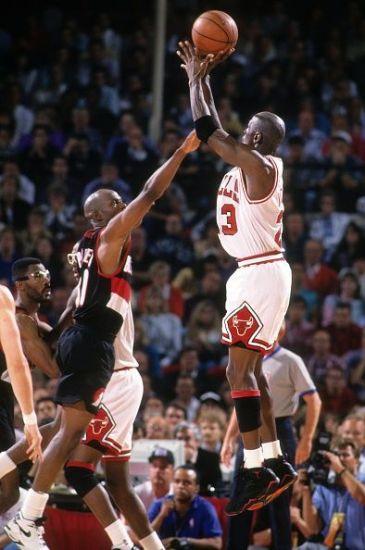 Michael-Jordan-nba-1992-1 (1)